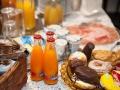 dolcevitasuites-breakfast-25